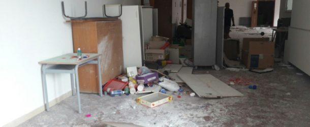 Capo d'Orlando: Vandali alla scuola di Furriolo