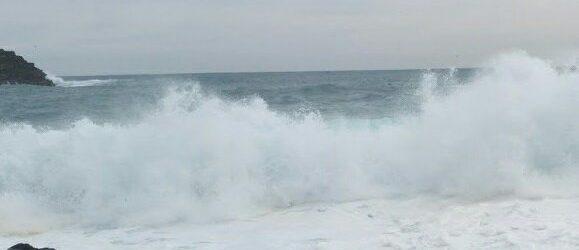 Maltempo: Vento forte e mareggiate a Lipari, paura ad Acquacalda