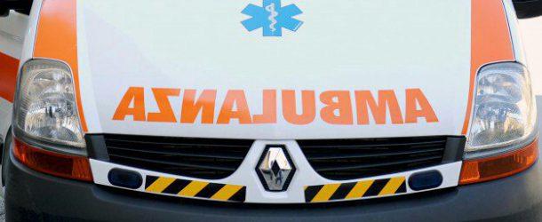 Pensionato travolto da un'ambulanza nel messinese: 85enne muore in ospedale