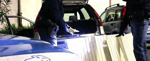 Messina: Ruba termosifoni a scuola, arrestato
